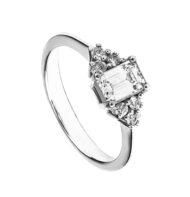 Pierścionek z białego złota z diamentem w szlifie szmaragdowym