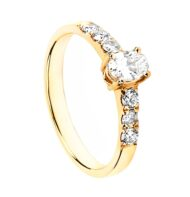 Pierścionek ze złota z diamentami